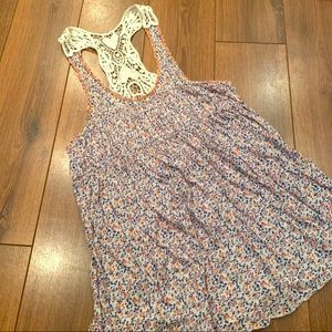 Free People tank size small.